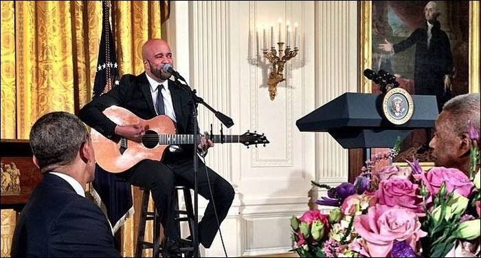 Carlos Whittaker Leads Worship at White House Easter Breakfast