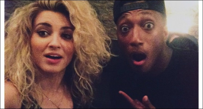Lecrae Performs With Tori Kelly
