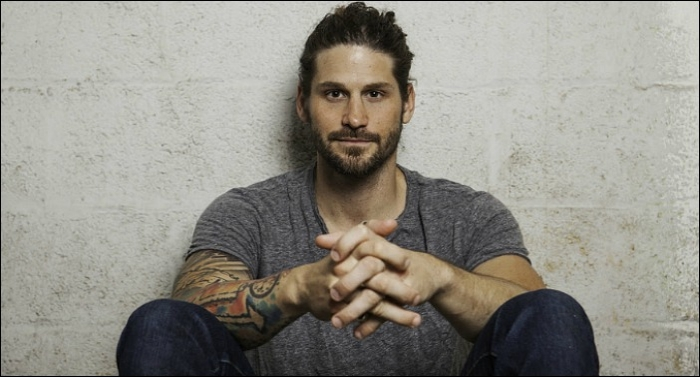 David Dunn Debuts Music Video For New Single 'I Wanna Go Back'