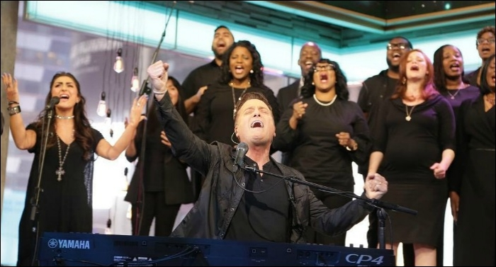 Michael W. Smith Leads 'Surrounded (Fight My Battles)' on Good Morning America