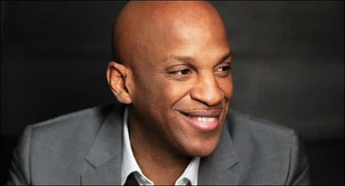 Donnie McClurkin Unveils New Songs in Live Concert Special