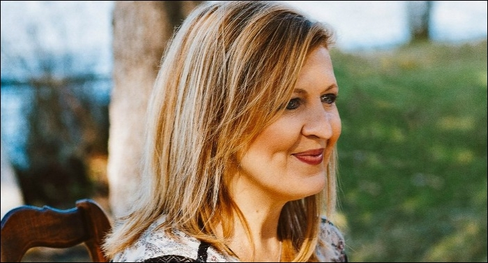 Darlene Zschech Traces 'The Golden Thread' of God's Presence