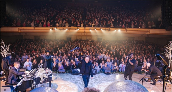 Chris Tomlin Opens Christmas Tour with Four Consecutive Sold-Out Shows