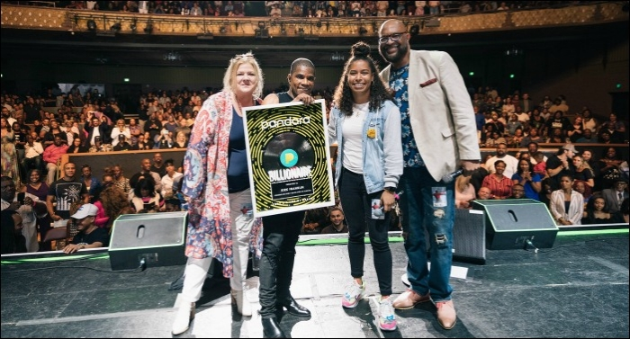 Kirk Franklin Receives Billionaire Honor from Pandora