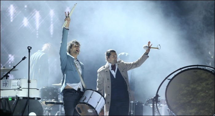 for KING & COUNTRY Perform Unique Rendition of 'Little Drummer Boy' on CMA Country Christmas
