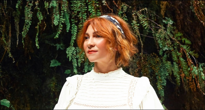 Worship Leader Kim Walker-Smith Set To Release Solo Live Album